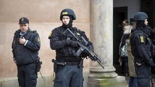 پلیس دانمارک چهار نفر را به ظن عضویت در گروه دولت اسلامی (داعش) دستگیر کرد.