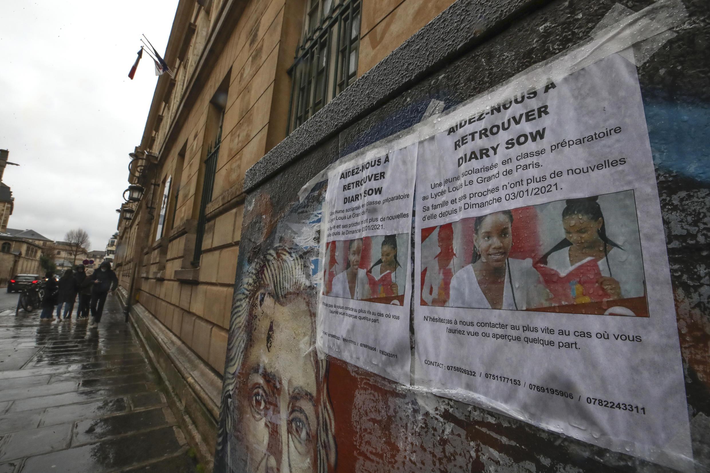Des avis de recherche de la jeune sénégalaise Diary Sow disparue le 3 janvier 2021 à Paris.