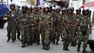 Soldats de l'armée malgache (illustration).