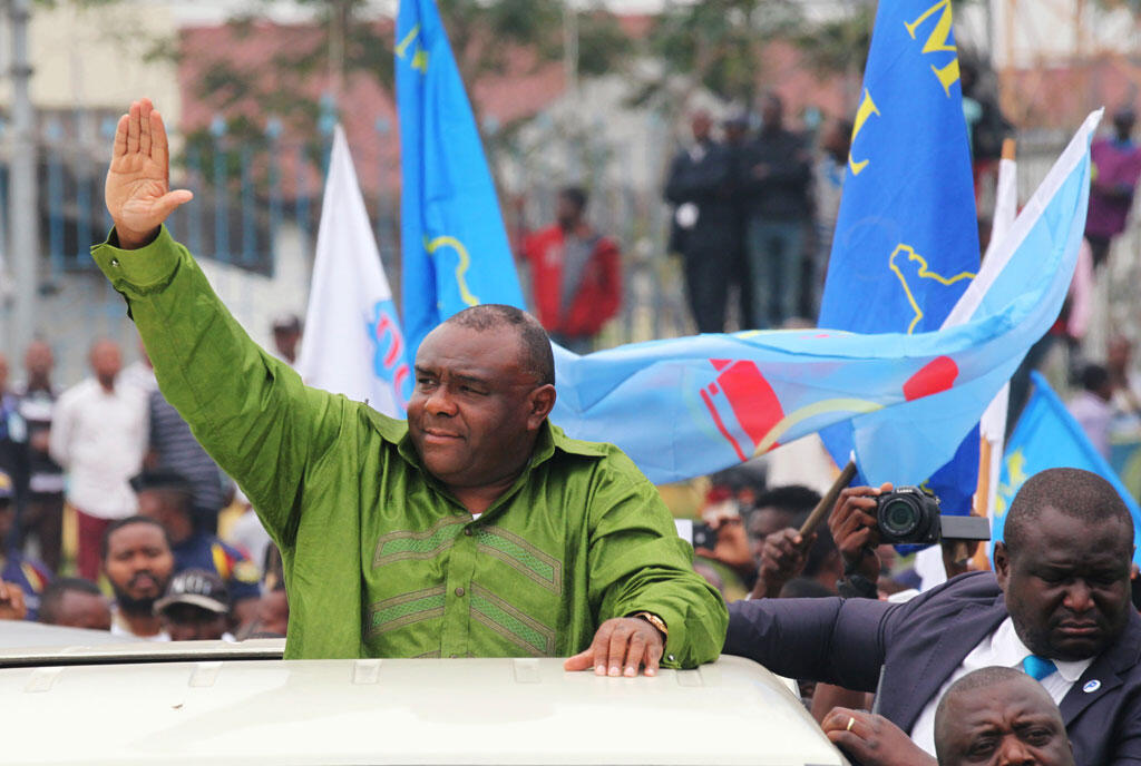 Jean-Pierre Bemba do Movimento de Libertação do Congo (MLC) acolhido à  sua  chegada ao Aeroporto de  N'Djili em Kinshasa.23 de Junho de 2019