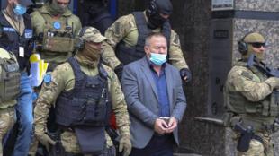 Hysni Gucati, le président de l'association des anciens combattants de l'UCK, a été arrêté par la police et extradé vers La Haye le 25 septembre 2020.