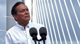 El presidente panameño, Laurentino Cortizo, el 2 de agosto de 2019 en el Puente Atlántico sobre el Canal de Panamá