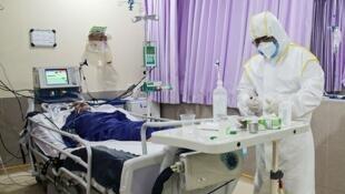 بیش از هزار بیمار کرونایی در بیمارستان های اصفهان بستری شده اند.