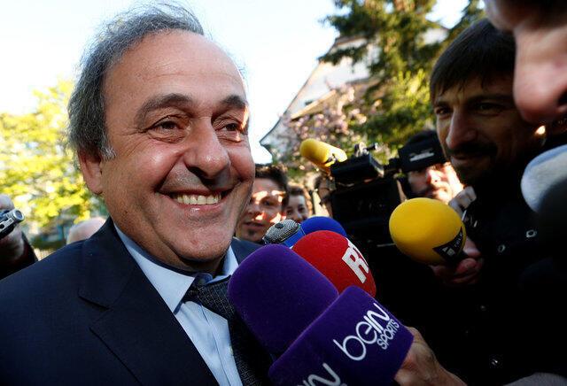 Platini: esperança de retomar o posto da UEFA antes do início do campeonato europeu.