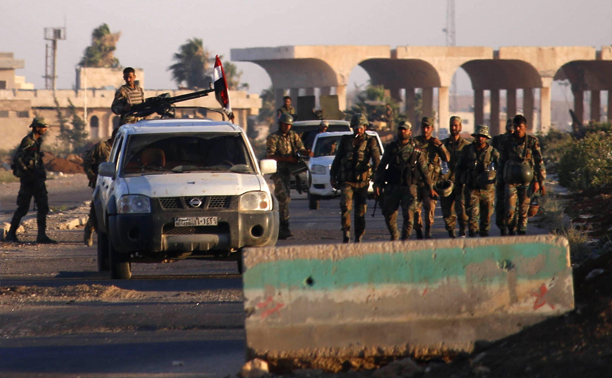 Forças do regime de Damasco mantêm presença na fronteira da Síria com a Jordânia