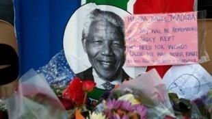 Nelson Mandela morreu em 5 de dezembro de 2013.
