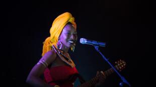 La chanteuse Fatoumata Diawara est l'une des invitées exceptionnelles du Festival Africolor.
