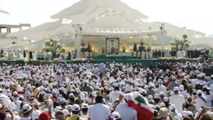 Une foule est venue assister à la messe du pape Benoît XVI, le 16 septembre 2012, à Beyrouth.