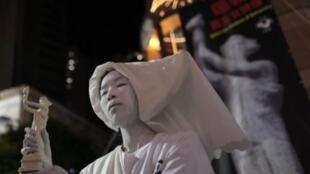 """今年""""六四""""在香港展出的""""自由女神""""雕像曾遭警方没收"""