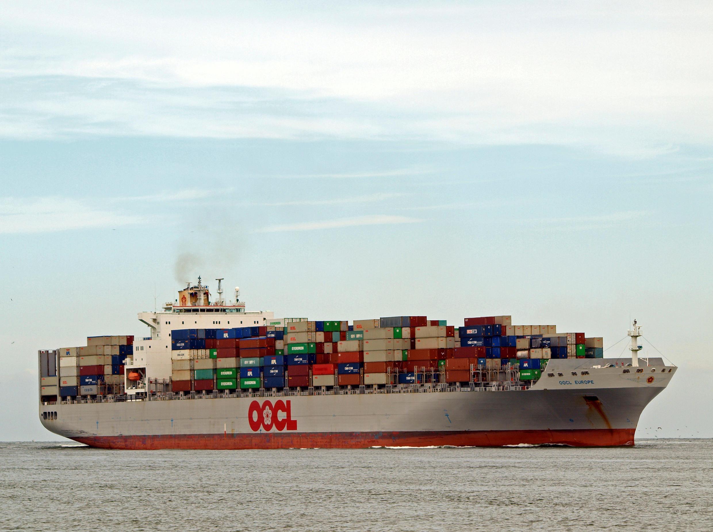 Khi nổ ra một cuộc chiến thương mại giữa Mỹ với phần còn lại của thế giới, kinh tế toàn cầu sẽ ra sao??