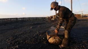 Pour les nationalistes du Donbass, la vente de charbon permettrait l'enrichissement des séparatistes, et donc la poursuite des combats.