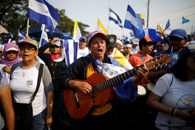 Marche «pour la paix et la justice» au Nicaragua le 28 avril : elle a rassemblée de nombreux secteurs de la population pour demander que la lumière soit faite sur la répression de la semaine passée.