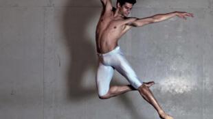 O bailarino Thiago Soares