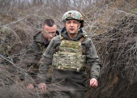 乌克兰总统泽连斯基视察前线资料图片
