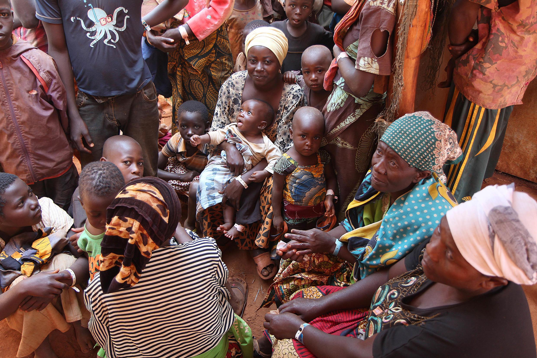Wakimbizi kutoka Burundi wanaoishi kwenye kambi ya Nyarugusu.