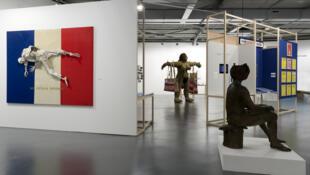 Vue de l'exposition « L'esprit français, Contre-cultures, 1969-1989 ». Photo : Marc Domage
