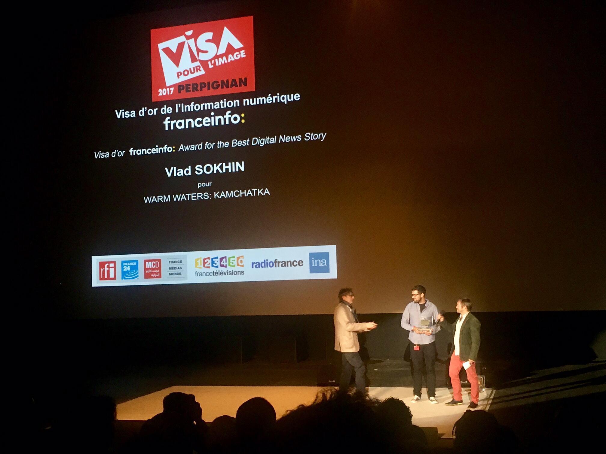 Entrega do prémio Visa d'Or de l'Information Numérique Franceinfo a Vlad Sokhin