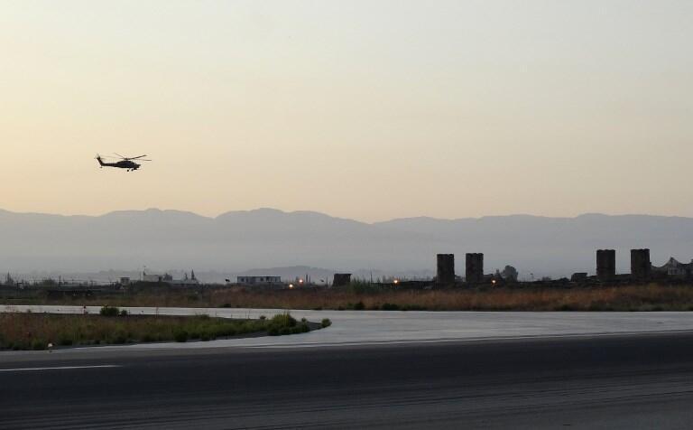 Des groupes jihadistes ont bombardé la ville côtière de Lattaquié, le fief du régime syrien, qui abrite la base aérienne russe de Hmeimim.