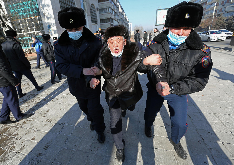 2021-01-10T101456Z_354075236_RC2Y4L95RVWQ_RTRMADP_3_KAZAKHSTAN-ELECTION-PROTESTS
