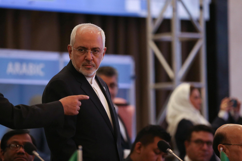 محمد جواد ظریف، وزیر امور خارجه جمهوری اسلامی ایران، اعلام کرد که تعهدات اتحادیه اروپا برای جلوگیری از شکست برجام کافی نیست و کشورهای عضو این اتحادیه باید گامهای دیگری در این زمینه بردارند.