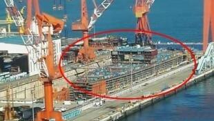 網傳上海長興島江南造船廠疑似第二艘國產航空母艦造船工程圖片