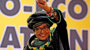 """عکس آرشیو - """"وینی مادیکینز ماندلا"""" همسر سابق """"نلسون ماندلا""""، نماد مبارزه با آپارتاید. ۱۶ دسامبر ٢٠۱٧"""