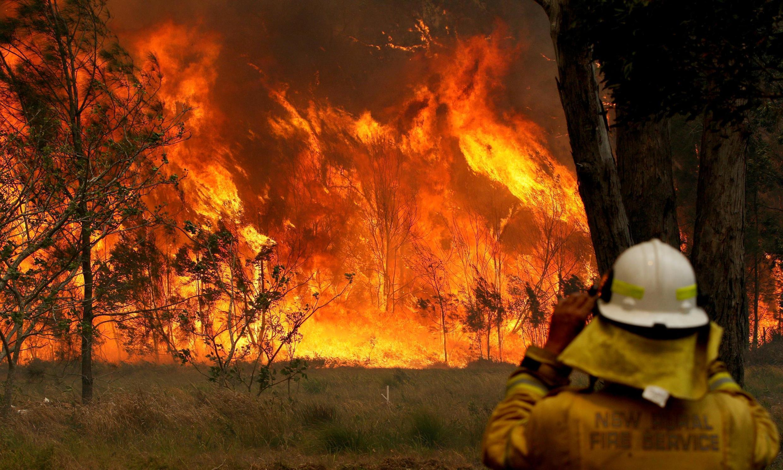 O número de mortos pelos incêndios no leste da Austrália