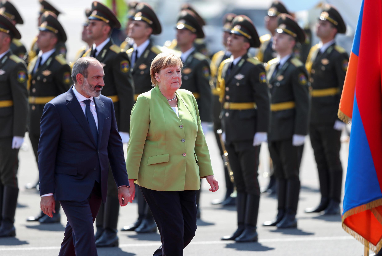 Канцлер Германии Ангела Меркель и премьер-министр Армении Никол Пашинян в Ереване, 24 августа 2018.