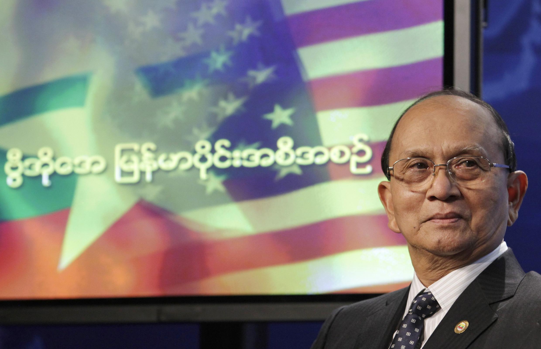O presidente de Mianmar, Thein Sein, durante entrevista na rádio Voice of America em Washington, neste domingo (19).