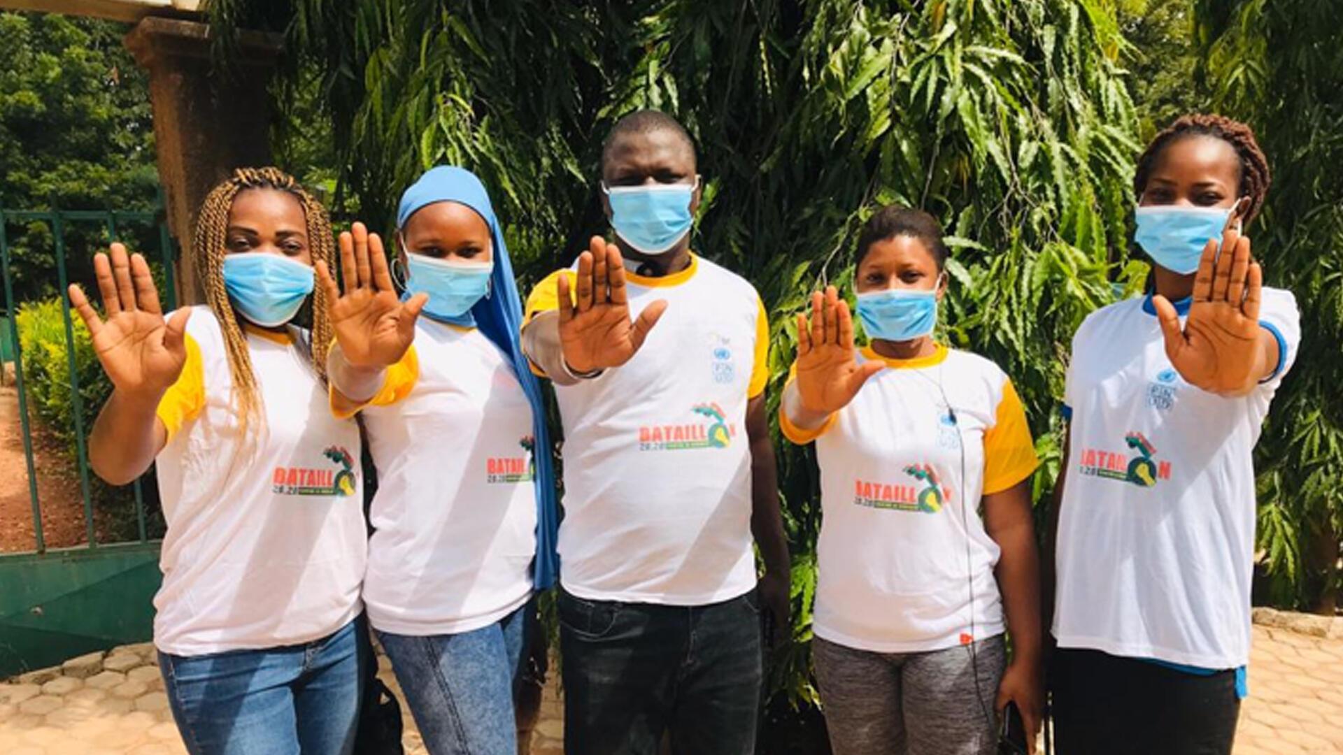 Les jeunes du Burkina se mobilisent pour lutter contre la propagation de la maladie.