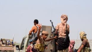 Des combattants yéménites pro-gouvernementaux dans les environs d'Hodeida, le 6 novembre 2018.