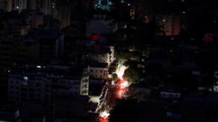 Kiza kinene chaendelea kuukumba mji mkuu wa Venezuela,  Caracas, na miji mingine ya nchi hiyo.