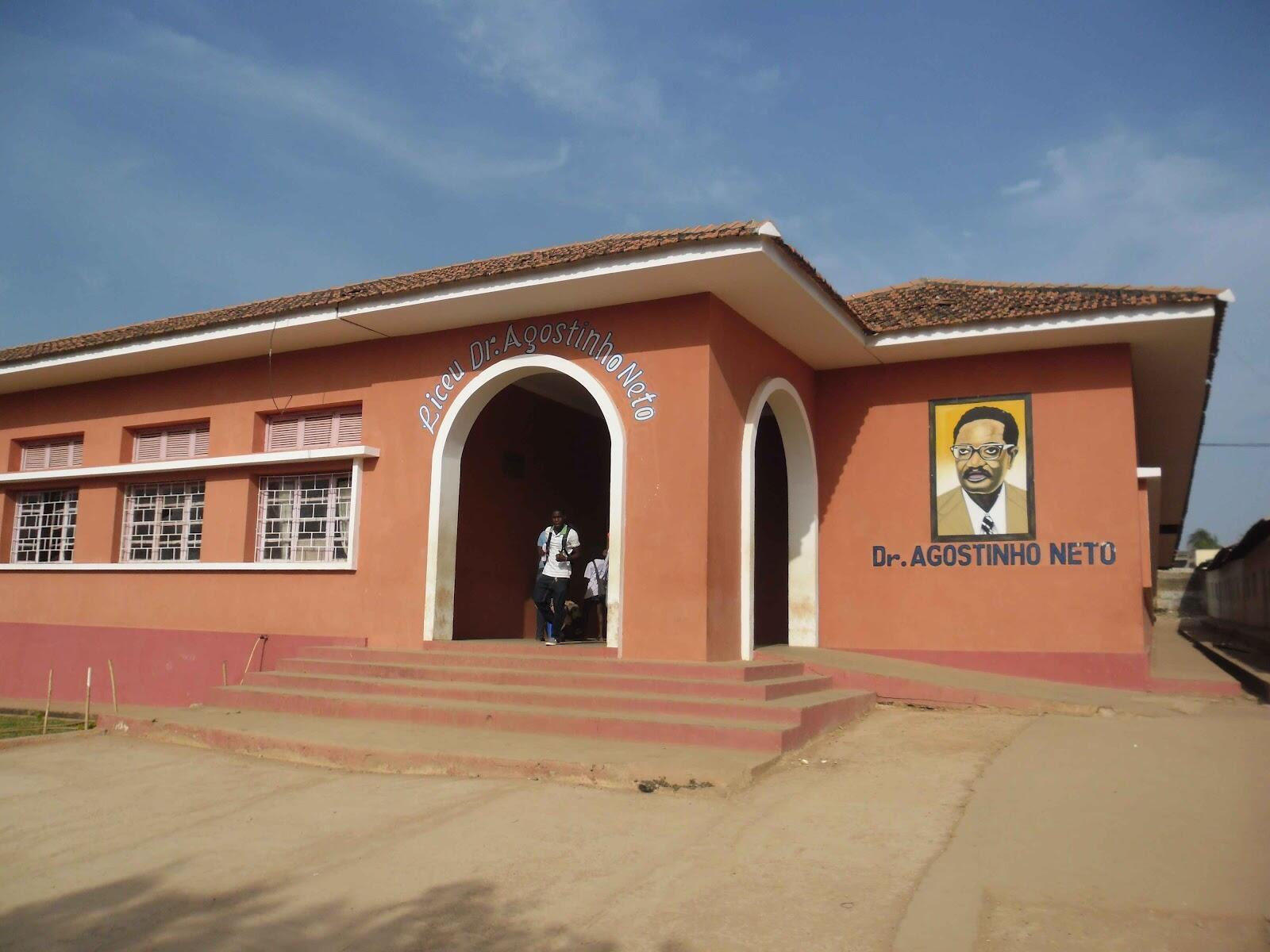Escola Agostinho Neto em Bissau.