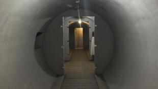 Un des nombreux tunnels du bunker de Mussolini.