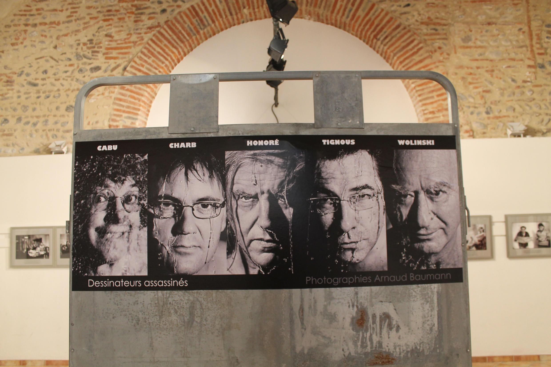 Un afiche para rendir homenaje a Cabu, Charb, Honoré, Tignous y Wolinski, dessi,ateurs assassinés