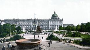 Le nouveau musée sera reconstruit à l'identique du bâtiment détruit pendant la Seconde Guerre mondiale, photographié ici vers 1900.