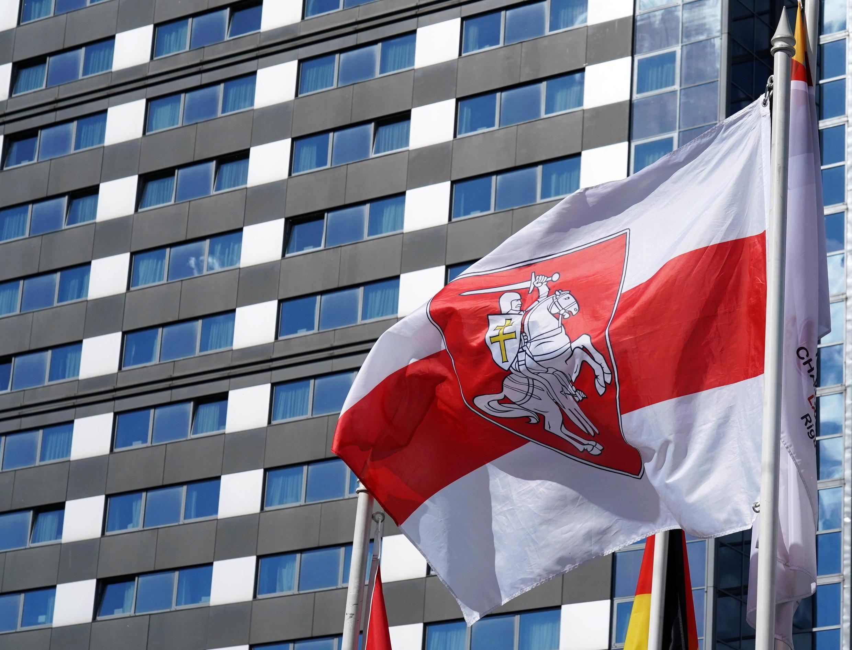 2021-05-24T151120Z_921912335_RC2FMN9ZI926_RTRMADP_3_BELARUS-POLITICS-LATVIA-FLAG