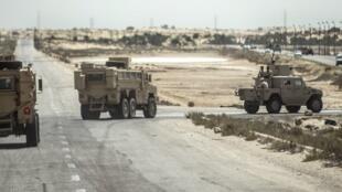 Polisi na wanajeshi wa Misri wakipiga doria kwenye eneo la Sinai.
