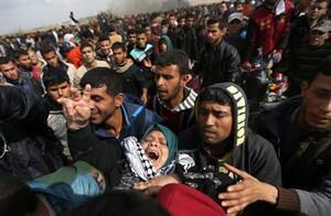 数千巴勒斯坦人在加沙巴以边界举行示威。2018-03-30