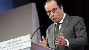 Президент Франции Франсуа Олланд на открытии конгресса Европейской конфедерации профсоюзов, 29 сентября 2015.