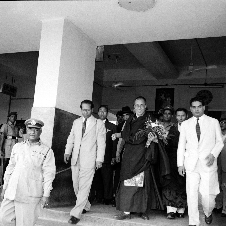 Далай-лама XIV в индийском городе Силигури, 23 апреля 1959 года