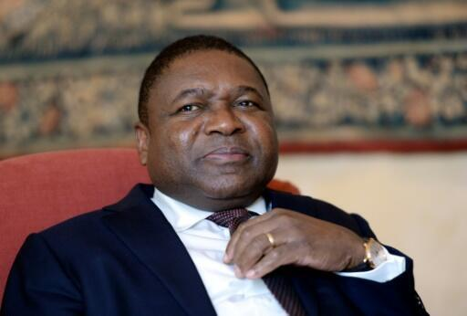 Re President Felipe Jacinto Nyusi signed a deal with opposition Renamo to end hostilities