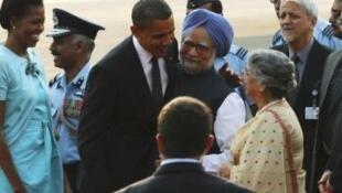 Президент США с супругой встречается с премьер-министром Индии Сингхом и его супругой