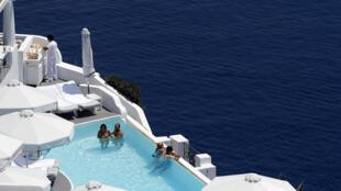 L'île de Santorin, en Grèce, joyau du tourisme hellène.