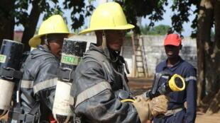 D'anciens combattants reconvertis en sapeurs-pompiers.
