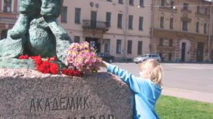 21 мая 2011 года у памятника А.Д, Сахарову