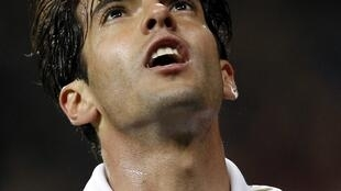 O atacante Kaká, do Real Madrid, comemora gol contra o Espanyol nesta segunda-feira.
