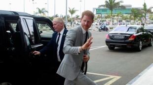 Príncipe Harry, à partida do aeroporto de Luanda neste 28 de Setembro de 2019.