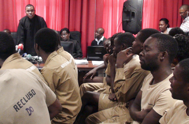 Julgamento dos activistas angolanos terminou com pesadas sentenças de cadeia efectiva.