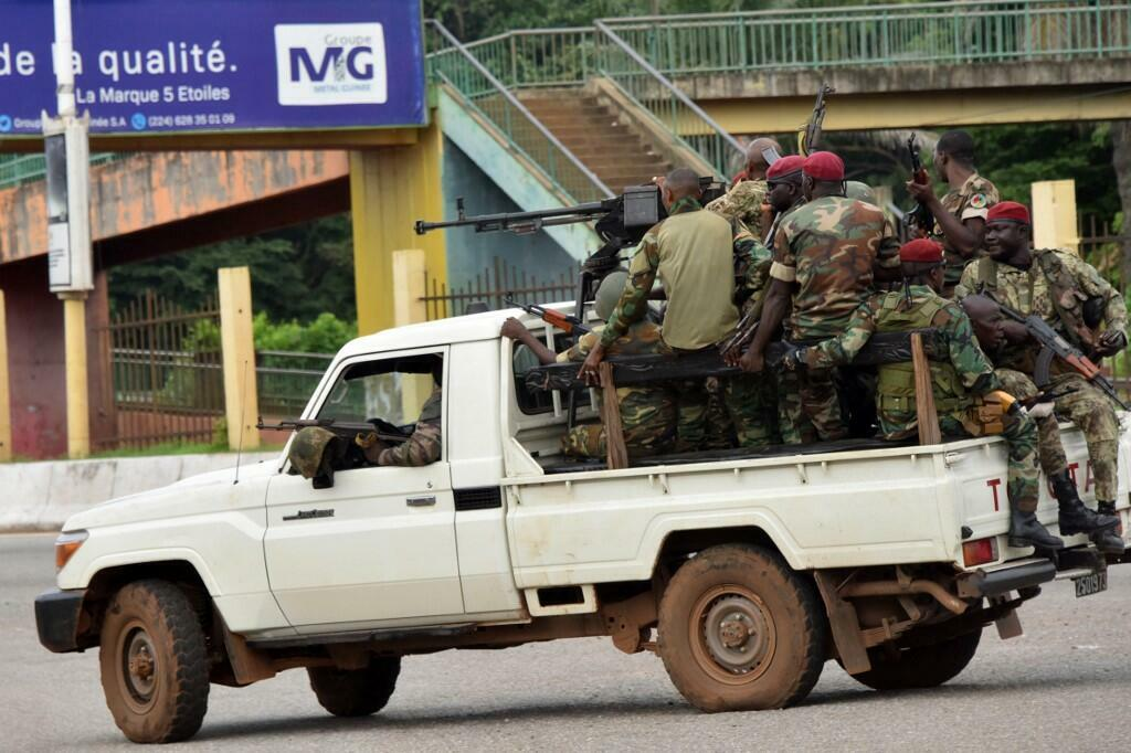 soldat armée patrouille militaires guinée conakry